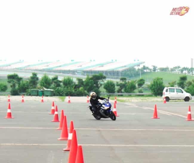 Yamaha YZF R3 01