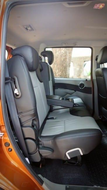 Mahindra Nuvosport rear seat space