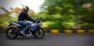 Yamaha R15S side motion