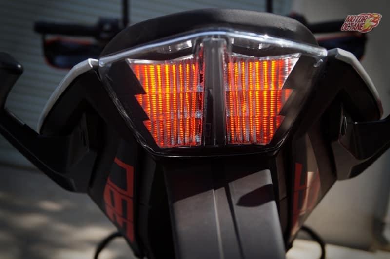 2017 KTM Duke 390 taillamp