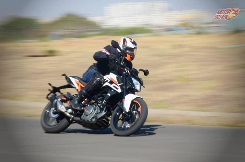 KTM Duke 250 motion 2