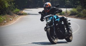 Yamaha FZ25 motion 3
