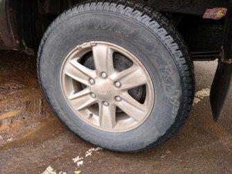 Isuzu V-Cross tyre