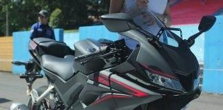 2018 Yamaha R15 V3 black