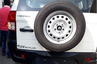 Mahindra TUV300 rear