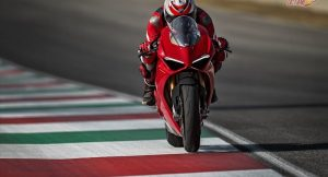 Ducati Panigale V4 S riding