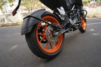 KTM Duke 125 Rear tyre