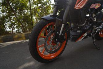 KTM Duke 125 front tyre
