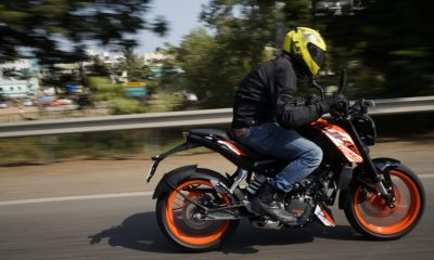 KTM Duke 125 speed motion