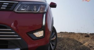 Mahindra XUV300 head lights