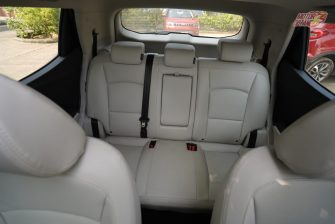 Mahindra XUV300 rear headrest