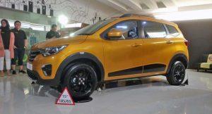 Renault Triber indonesia black alloy wheels